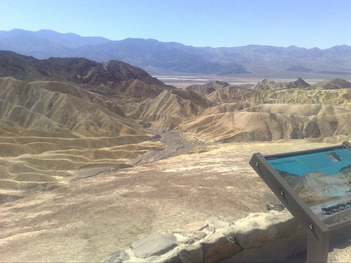 A USA Road Trip: From Las Vegas to Lone Pine via Death Valley