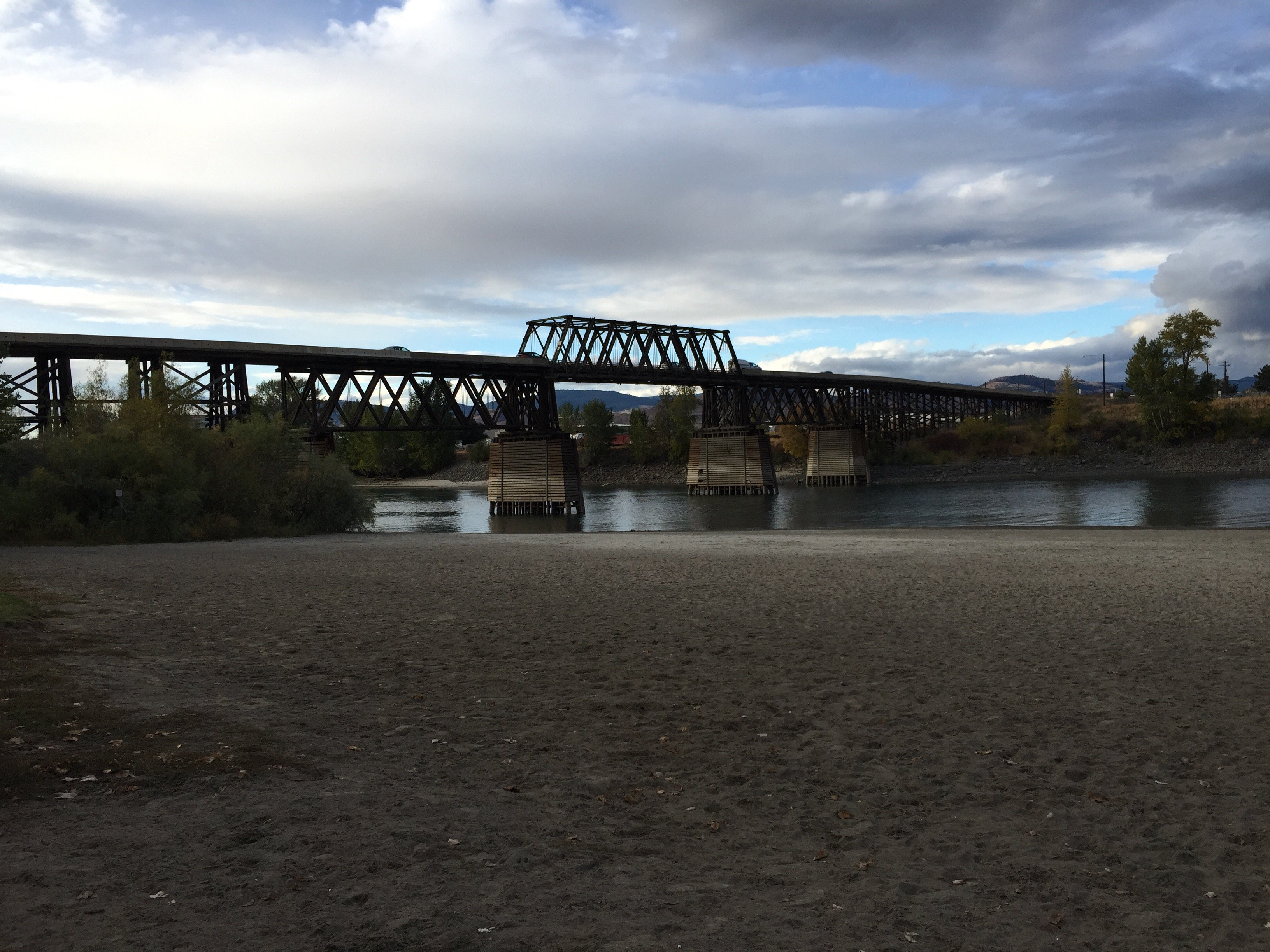 The rail bridge at Kamloops over the Thompson River
