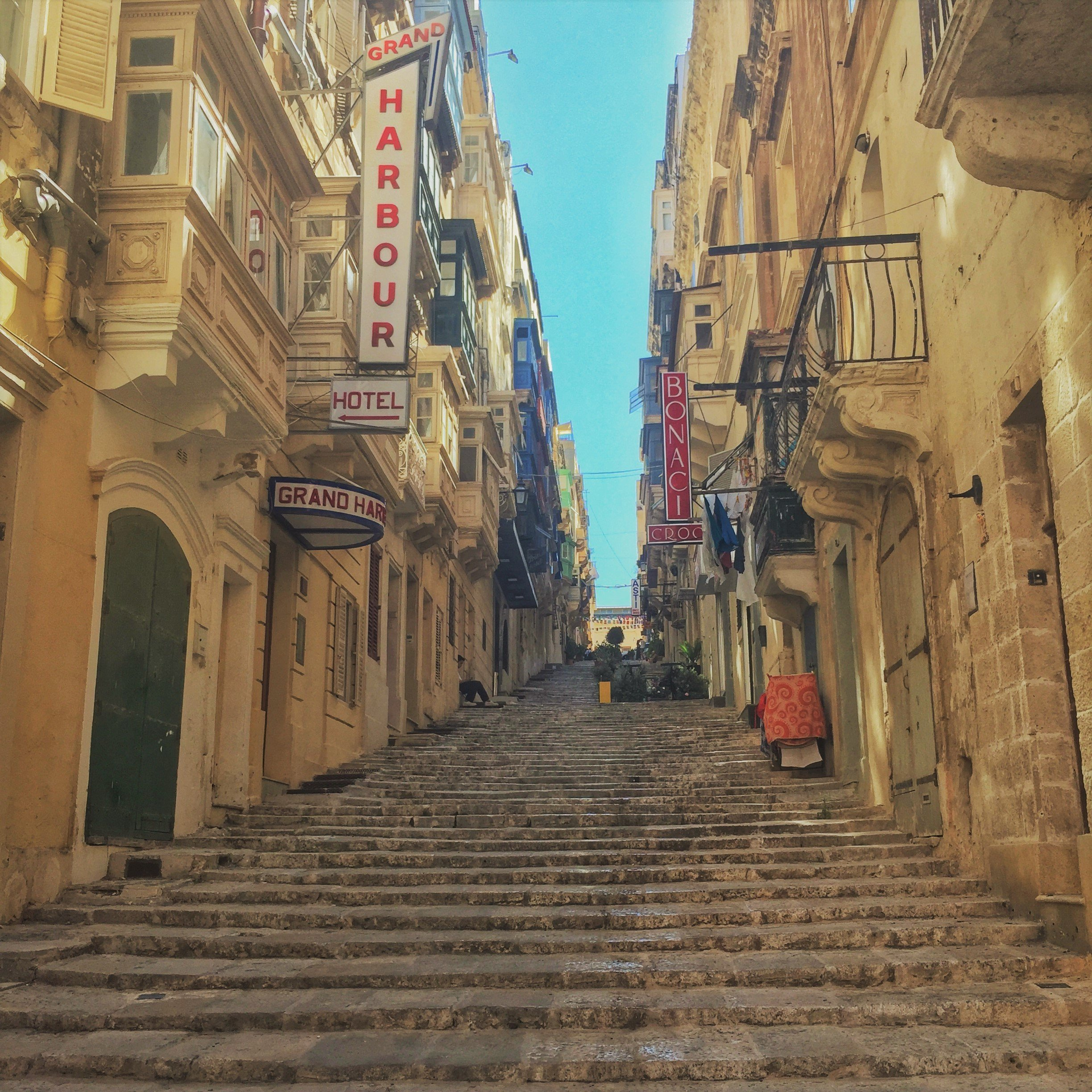 Valletta, alleyway with steps, Malta, Europe,