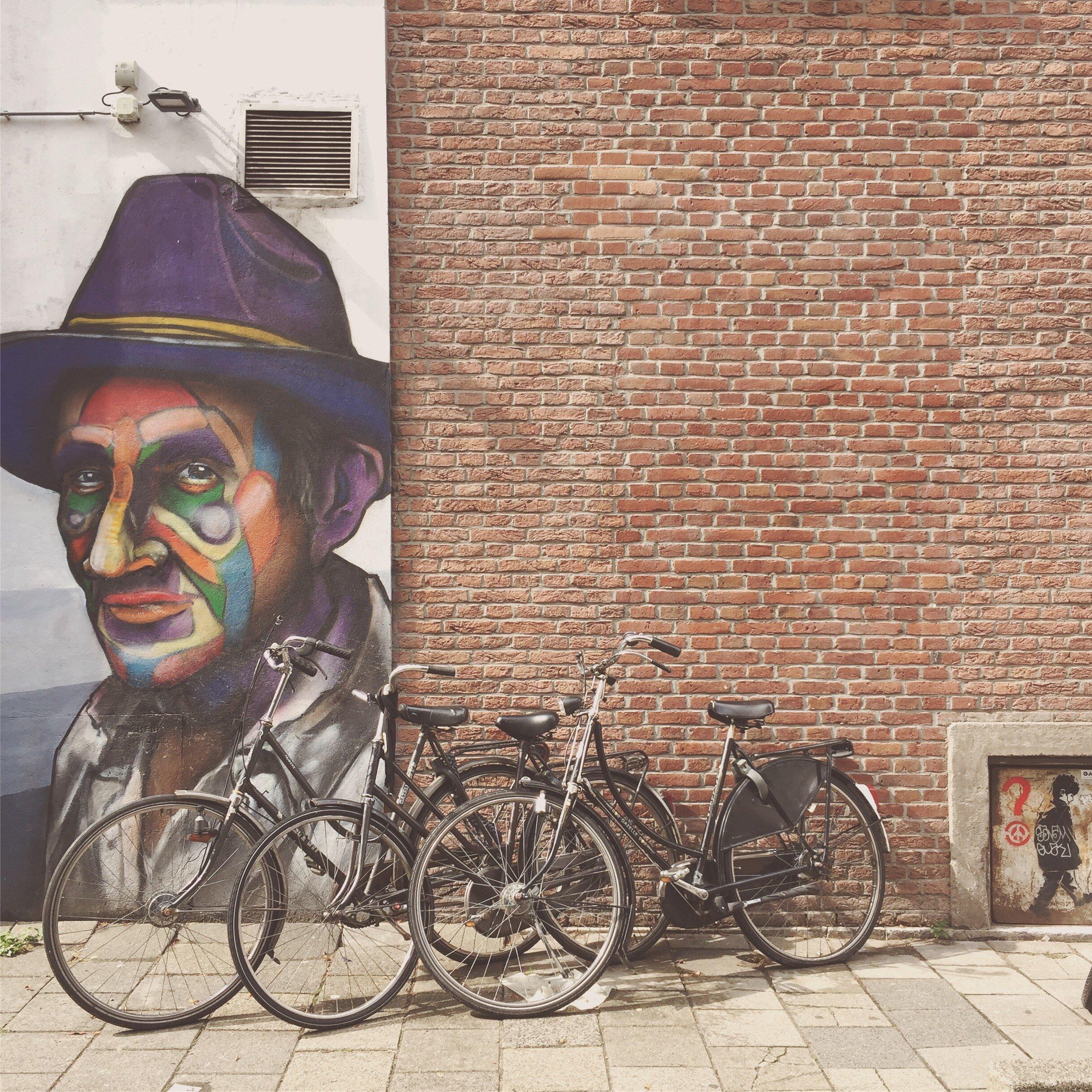 Street art near Witte de Withstraat