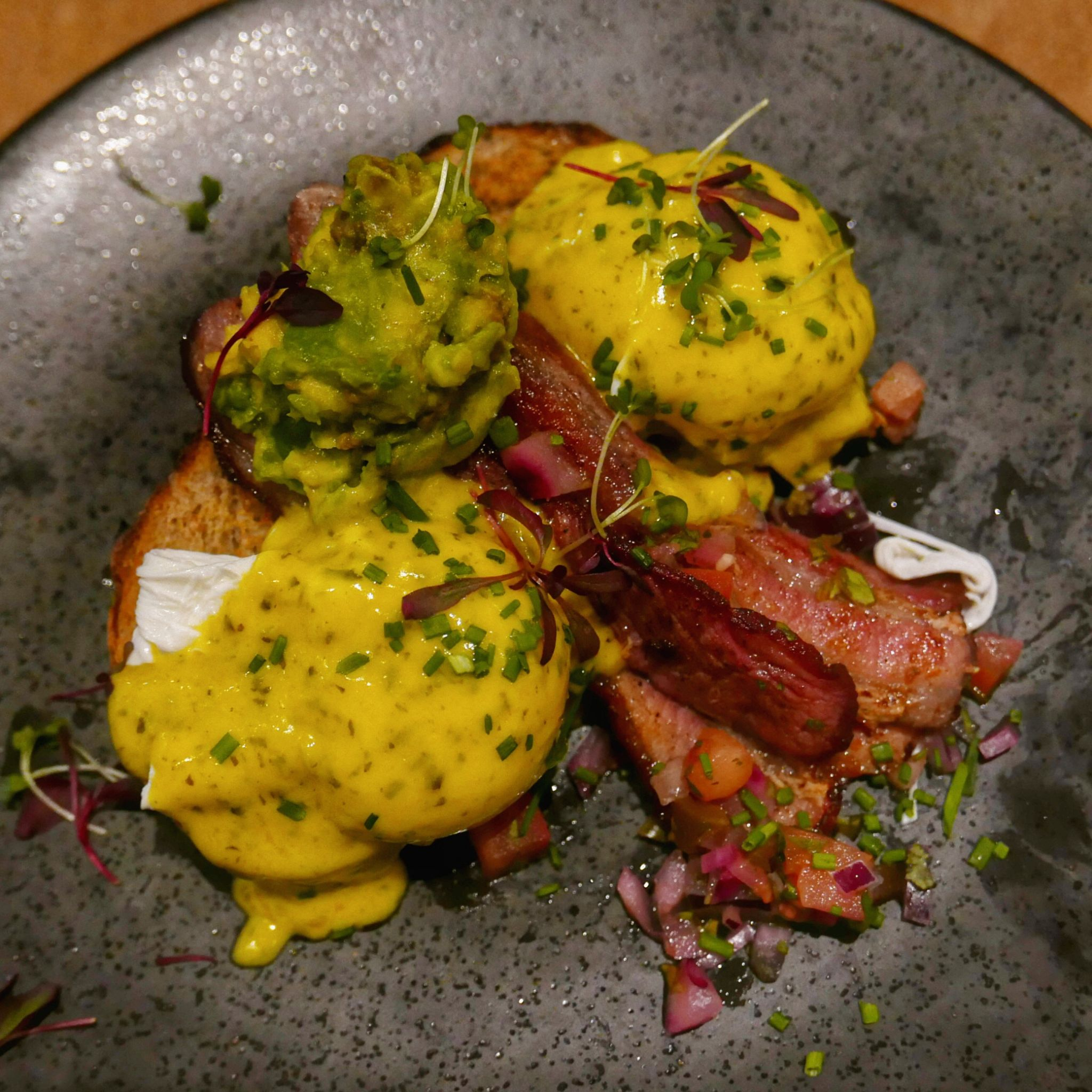 Eggs Benedict at Waylands Yard Birmingham. Planning on eating out in Birmingham? A Brummie Home and Abroad decided to spend January trying out new breakfast, lunch and dinner spots